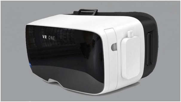 VR Headset- Carl Zeiss